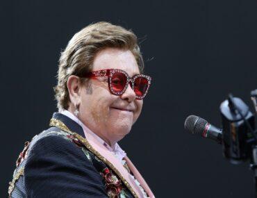 Rock musicians specials: Elton John